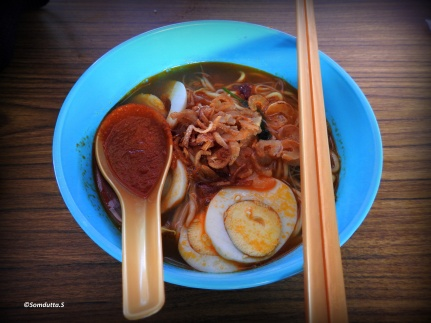 Chinese noodles with your choise of additions - chicken/egg/pork
