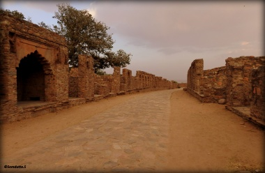 The way through the ruins of the market area in the Fort region